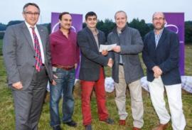Geof Robins wins award